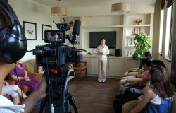 老年瑜伽课程拍摄录制现场